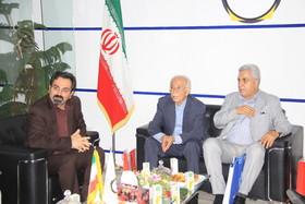 حضور  پیشکسوتان بازار سرمایه در غرفه بورس کالای ایران