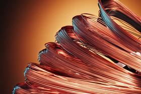 معامله انواع فلز سرخ در تالار نقره ای