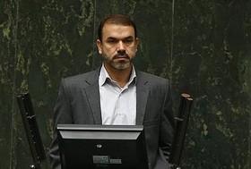 بازار زعفران و پسته در جهان باید در انحصار ایران باشد