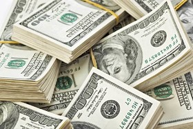 ادامه پیشروی دلار در جهان