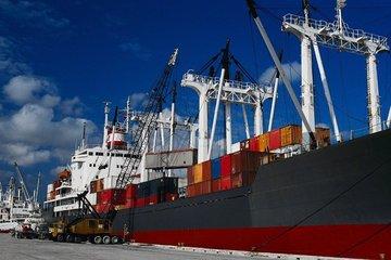 تراز تجاری کشور یک میلیارد دلار مثبت شد