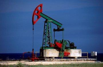 افزایش بهای نفت تحت تاثیر ۲ عامل