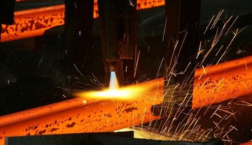 توازن زنجیره فولاد و عدم دخالت در قیمت ها