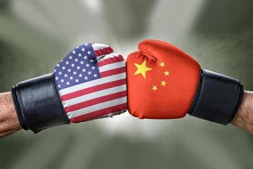 زیانهای جنگ تجاری برای آمریکا و چین