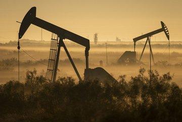 تولید نفت آمریکا در سراشیبی