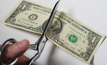عقبنشینی گسترده دلار با دور جدید جنگ تجاری