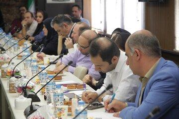 نشست هم اندیشی راه اندازی معاملات گواهی سپرده و قراردادهای آتی پسته با حضور کارگزاران در بورس کالای ایران