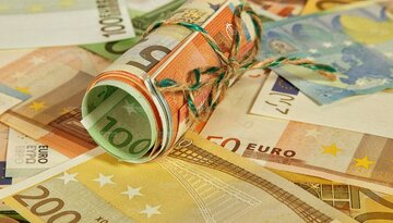 یورو کاهش و پوند افزایشی شد