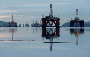رشد قیمت نفت خام با افت ذخایر آمریکا / برنت ۴۳ دلاری شد