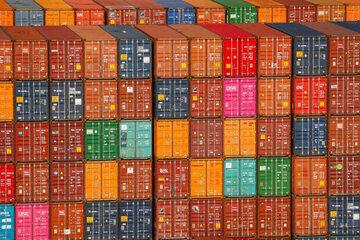 مبادلات تجاری چین با آمریکا به شدت افت کرد