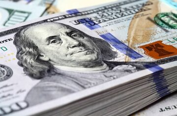 دلار همچنان می تازد
