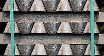 عرضه صادراتی شمش آلومینیوم در بورس کالا/ فولادی ها هم دست پر به تالار صنعتی می آیند