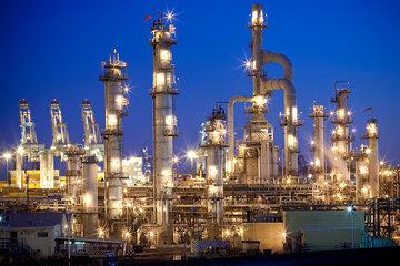 تصاحب جایگاه آمریکا به عنوان بزرگترین پالایشگر نفت جهان توسط چینی ها