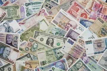 نرخ رسمی ۳۰ ارز کاهش یافت