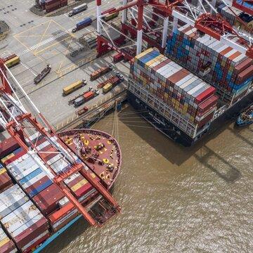 چین به دنبال ایجاد توازن میان صادرات و واردات