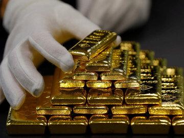 کاهش ۲۰۰ دلاری قیمت طلا نسبت به ابتدای سال