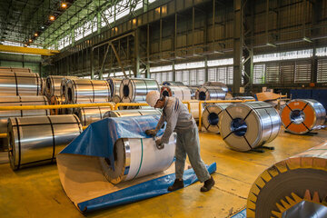 عرضه ۱۳۵ هزار تن ورق فولادی در بورس کالا