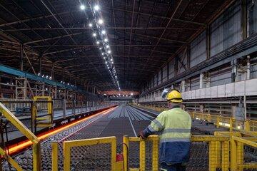 شرکت های بزرگ فولادی در شش ماهه نخست ۱۴۰۰ افزون بر ۳.۸ میلیون تن فولاد صادر کردند که این رقم ۴۸ درصد بیش از عملکرد مدت مشابه سال ۹۹ بوده است