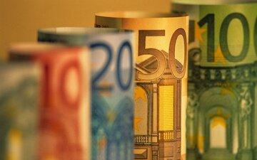یورو و پوند از دلار جلو افتادند